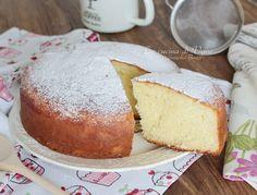 TORTA CON YOGURT GRECO SOFFICISSIMA E GOLOSA una torta morbida e golosa senza burro, sana, genuina, perfetta da gustare a colazione o per merenda.