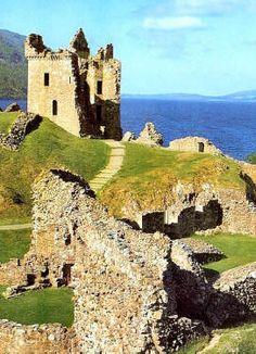 Scozia castello di Urquart in scozia