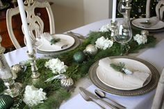 Seven Gorgeous Holiday Tablescapes - Maison de Cinq