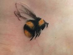 Bumble Bee Flowers Tattoos for Women   1000+ images about Bugs on Pinterest