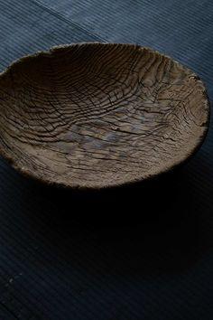 Wabi Sabi Source by florenceparly Wabi Sabi, Japanese Woodworking, Japanese Aesthetic, Kintsugi, Weathered Wood, Wood Turning, Ceramic Pottery, Wood Art, Bowls