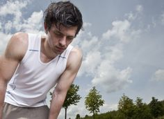 Kiedy bieganie bywa niezdrowe? Jogging, Tank Man, Hair Styles, Mens Tops, Walking, Hair Plait Styles, Hair Makeup, Hairdos, Running