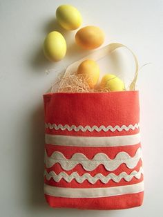 I know it's supposed to be an Easter basket, but I think it would be a good tote for little kids, especially little girls who love purses (but with manly fabric it could be a tote for boys).