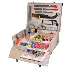 Bollmann AG - Werkzeugkiste - Another! Wooden Pencil Box, Wooden Tool Boxes, Wood Boxes, Tool Shop Organization, Garage Organisation, Tool Box Diy, Garage Tool Storage, Dewalt Storage, Tool Tote