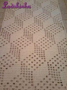 This Pin Was Discovered By Ham - Diy Crafts - maallure Filet Crochet, Crochet Motifs, Thread Crochet, Crochet Doilies, Crochet Stitches, Crochet Patterns Filet, Crochet Carpet, Crochet Home, Love Crochet