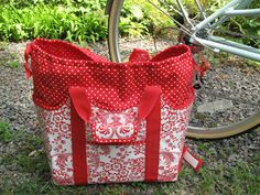 Hannah Insulated Picnic Basket pattern from The Happy Bicycle