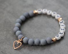 Name bracelet with acrylic beads and baby footprint beaded bracelet birth baptism patentante letters pink Homemade Bracelets, Diy Bracelets Easy, Bracelet Crafts, Cute Bracelets, Homemade Jewelry, Gemstone Bracelets, Name Bracelet, Bracelet Making, Jewelry Making