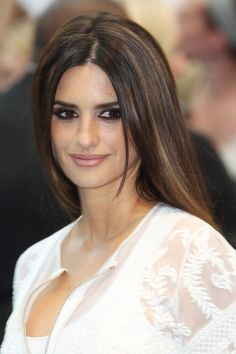Penélope Cruz Photos - (UK TABLOID NEWSPAPERS OUT) Penelope Cruz attends the UK premiere of Pirates Of The Caribbean: On Stranger Tides at the Vue Westfield on May 12, 2011 in London, England. - Pirates Of The Caribbean: On Stranger Tides - UK Premiere - Inside Arrivals