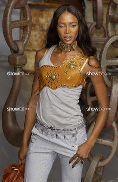 Caroline Ribeiro at Dolce & Gabbana SS/2003