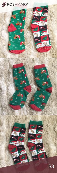 Fun Christmas Socks Bundle Bundle of 2 pairs of holiday socks. Reindeer & snowflake and checkered Christmas characters. Very gently used. #bundle #socks #christmas #holiday #festive #santa #reindeer #snowflake #candycand #gingerbread #christmastree #fun #punkydoodle  No modeling Smoke and pet free home I do discount bundles Other