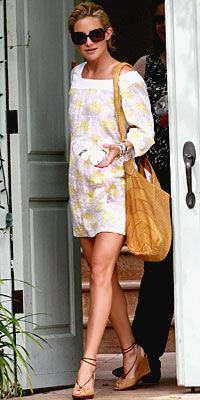 Love this look on Kate Hudson. I'm especially in love with these shoes!!!