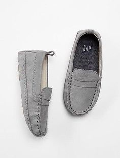 GAP Baby / Toddler Boy Size US 5 / EU 22 Gray Suede Slip-ons Loafers Moccasins