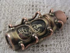 Steampunk USB flash drive with glowing interior and curved glass window. Copper, brass and glass. Steampunk House, Steampunk Gears, Steampunk Design, Steampunk Costume, Steampunk Clothing, Steampunk Fashion, Usb Drive, Usb Flash Drive, Gadgets And Gizmos