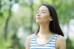 ダイエットには基礎代謝を上げることがいちばん。基礎代謝を上げるには筋肉を増やすことが大切だといわれますが、「ジムに行く時間はないし、筋力トレーニングはつらいから長続きしない」と思っている方、実は呼吸の仕方を変えるだけで基礎代謝を上げられるのです。