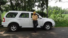 Manpreet Singh Chabbra with his SUV Force One Force One, Van, Photos, Pictures, Vans, Vans Outfit