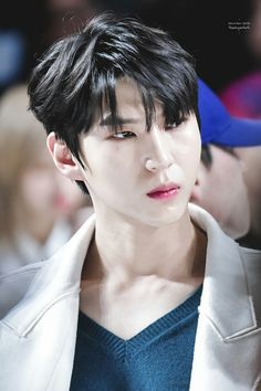 Leo vixx discovered by NR Hidayati on We Heart It K Pop, Cute Funny Pics, Vixx Members, Jung Taekwoon, Jellyfish Entertainment, Celebrity Dads, Celebrity Style, Most Beautiful Man, People