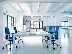 Aresline, silla operativa y direccional modelo Zero7 diseñado por Giovanni Baccolini.  Mobiliario de diseño para oficinas, auditorios, salas de conferencias, universidades y contract. (Espacio Aretha partner contract)