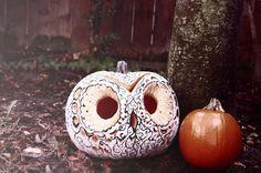 A Modern Dame: My very 1st DIY: Decorative Owl Pumpkin Samhain Halloween, Halloween Horror, Fall Halloween, Owl Pumpkin, Pumpkin Jack, Favorite Holiday, Holiday Fun, Easy Pumpkin Carving, Carving Pumpkins