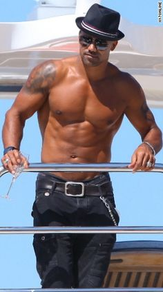 Shemar Moore is a work of art. Loved him on the Young and the Restless. He can come back now!