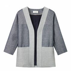 Gently structured, panelled jacket in two Italian cotton blend textured jacquardsWide placket with no fasteningsThree quarter length sleevesTwo front slip in pocketsComposition: 69% cotton, 26% viscose, 5% woolColour: indigo, off whiteCare: dry clean onlyWomens UK sizing guide as follows in inches:6, XS, bust 31, waist 24, hip 348 to 10, S, bust 32 to 34, waist 25 to 27, hip 35 to 3712 to 14, M, bust 36 to 38, waist 29 to 31, hip 39 to 4116, L, bust 40, waist 33, hip 4318, XL, bust 42, waist…