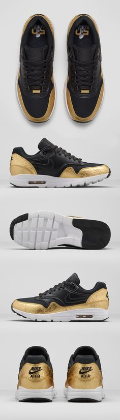 Introducing the SB50 Nike Air Max 1 Ultra, a special edition sneaker designed to celebrate 50 years of football on the grandest stage. Metallic accents on an iconic silhouette are as classic as the game itself.