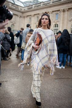 Paris Fashion Week Fall 2016 | street style #PFW [Photo: Kuba Dabrowski]