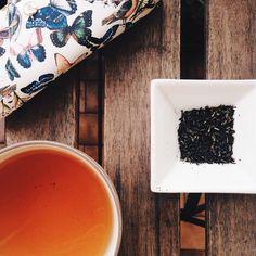 Questa mattina proviamo un tè nero Palampore di @theteashelf