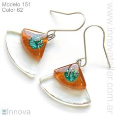 Bijouterie de vitrofusion - Aros - pendientes - Innova Fused Glass Jewelry, Fused Glass Art, Resin Jewelry, Jewelry Art, Stained Glass Crafts, Recycled Glass, Jewelry Making, Drop Earrings, Projects