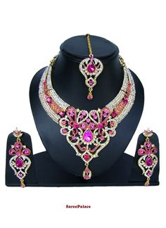 Gold and hot pink necklace set displays stone work adds to the look. Vintage Costume Jewelry, Vintage Costumes, Vintage Jewelry, Buy Jewellery Online, Body Jewellery, Indian Bridal Jewelry Sets, Indian Jewelry, Pink Necklace, Necklace Set