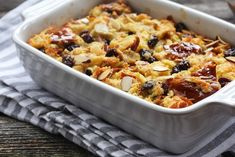 Vegan Bread Pudding Recipe Luxury the Best Vegan Bread Pudding Recipes to Treat Yourself Vegan Bread Pudding, Pudding Recipes, Macaroni Grill Bread, Fried Bread Recipe, Crock Pot Bread, Low Budget Meals, Pasta With Meat Sauce, Queso Fresco, Big Meals