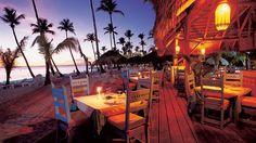 Beach restaurante Jacaranda es ideal para cenas románticas al atardecer http://www.hoteles-catalonia.com/es/nuestros_hoteles/caribe/republica_dominicana/la_romana/bayahibe/hotel_catalonia_gran_dominicus/index.jsp