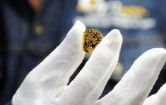 První mince z certifikovaného zlata připomíná 100 . výročí od konce 1. světové války. Autor fotografií François Tancré /Představení první mince z certifikovaného zlata v pařížské mincovně/ 14.5.2018.