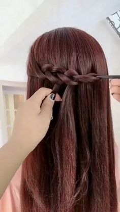 Perfect hair in no time ! Perfect hair in no time ! Super Easy Hairstyles, Easy Hairstyles For Long Hair, Braided Hairstyles, Hairstyle Ideas, Camping Hairstyles, Mexican Hairstyles, Step Hairstyle, Hairstyle Tutorials, Unique Hairstyles