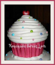 Giant cupcake - large pearl decorating