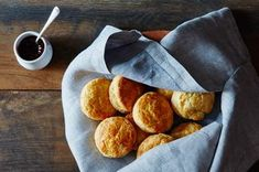 Using a mixture of rendered leaf lard and butter gives these biscuits an incredible flavor and a beautiful tender and flaky texture. Quiche Recipes, Snack Recipes, Cooking Recipes, Bread Recipes, Yummy Recipes, Dessert Dishes, Dessert Bread, Desserts, Cooking Bread