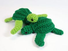 Sea Turtles || Free Pattern!  Must sign up for free ravelry acct. to view.