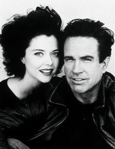 Warren Beatty & Annette Bening, She was the one that got him. All the women he has been with beautiful, but Annette did something he couldn't resist. Hollywood Couples, Celebrity Couples, Celebrity Weddings, Celebrity Photos, Annette Bening, Classic Hollywood, Old Hollywood, Hollywood Icons, Hollywood Style