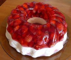 Strawberry jelly with vanilla cream # food dessert recipes Strawberry Jelly, Low Calorie Desserts, Good Food, Yummy Food, Russian Recipes, Cream Recipes, International Recipes, Tasty Dishes, No Bake Cake