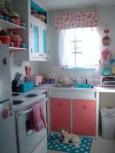 cozinha azul e rosa