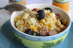L'insalata di couscous estiva è facile e veloce da preparare, perfetta da servire nei mesi estivi. Ecco la ricetta e tanti consigli utili Acai Bowl, Risotto, Oatmeal, Grains, Food And Drink, Cooking, Breakfast, Recipes, Buffet