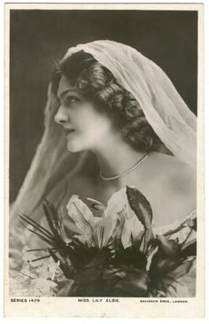 Vintage Photography: Lily Elsie (1886-1962) from http://retro-vintage-photography.blogspot.com/2010/10/lily-elsie-1886-1962.html