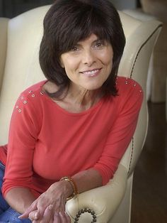 Adrienne Barbeau, a great actress, I still watch the old Maude show to catch a glimpse of Adrienne. Adrienne Barbeau, Timeless Beauty, Classic Beauty, Famous Women, Famous People, Sophia Loren, Celebs, Celebrities, Getting Old