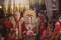 Pernikahan Adat Minang ala Selly dan Ichsan -