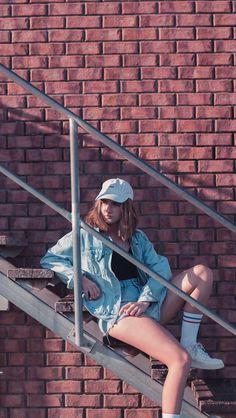 Sentada na escada