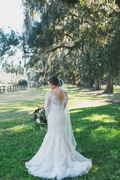 photo by hyer images | february 2016 | boone hall plantation | ooh! events | Featured on The Wedding Row