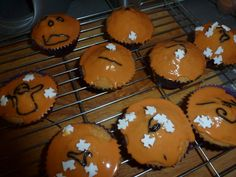Aldi sent us some Halloween goodies to test out, this is what they sent us: We decide to give the cupcakes a go and this is how they turned out. Halloween Goodies, Halloween Cupcakes, Muffin, Yummy Food, Breakfast, Desserts, Morning Coffee, Tailgate Desserts, Deserts