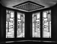 Frank Lloyd Wright: Interior of the Robie House, Chicago, 1909.