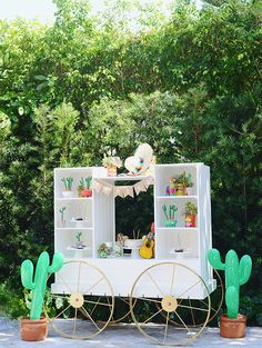 Fun Cactus Party Set up - See more amazing party trends for 2016 at B. Party Fiesta, Taco Party, Birthday Party Themes, 2nd Birthday, Fiestas Party, Mexican Party, Partys, Party Entertainment, Party Stuff
