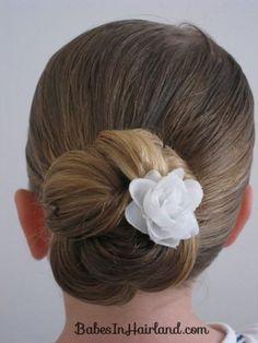 DIY Wedding Hair : DIY Loopy Looking Bun
