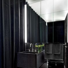♣ Luxury HOME Design ♣ ♦dAǸ†㉫♦ Gilles Mendel's Black-and-White New York Apartment : Architectural Digest Wall Paint Inspiration, Bad Inspiration, Decoration Inspiration, Decor Ideas, Decorating Ideas, Paint Ideas, Decorating Websites, Bathroom Inspiration, Diy Bathroom Decor